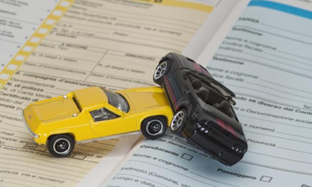 Legge Concorrenza, taglio ai risarcimenti stradali