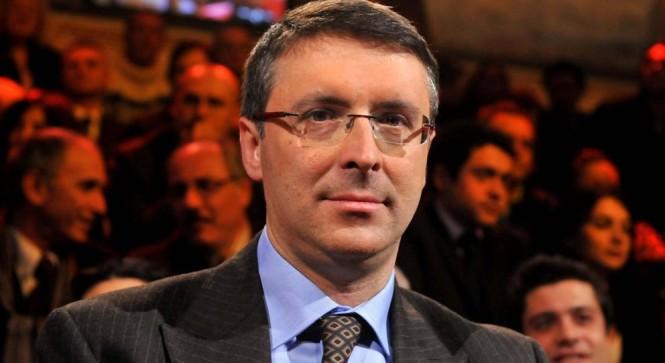 Il magistrato Raffaele Cantone al taglio del nastro dell'affido di Villa Ammaturo