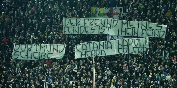 Tifosi razzisti: allo Juventus Stadium striscione contro Napoli e Catania
