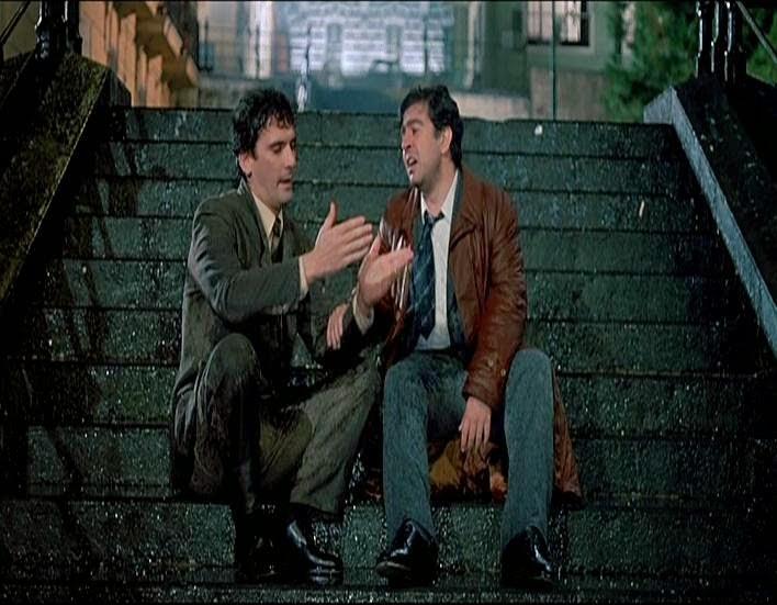 """Massimo Troisi: le scale di """"Scusate il ritardo"""" saranno dedicate all'attore napoletano"""