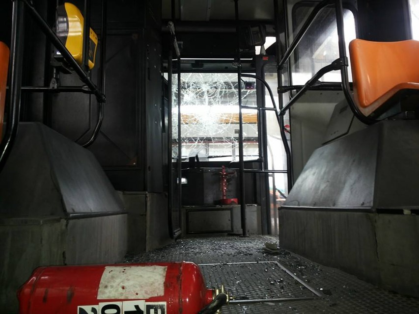 """Bus dell'Anm preso d'assalto: """"Volevamo solo pariare"""""""