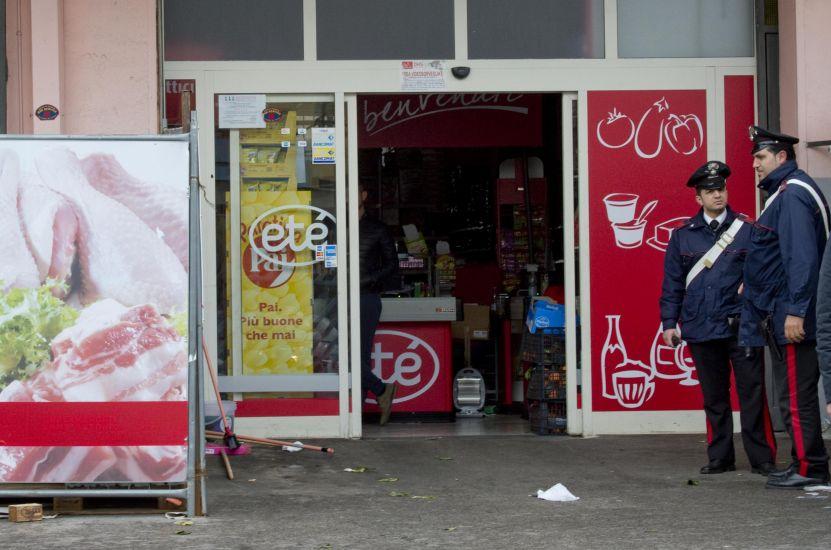 Carabinieri rapinatori: fuori servizio tentano un colpo al Supermercato Etè