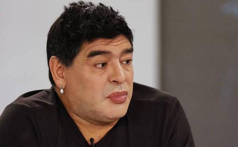 Diego Armando Maradona cambia volto
