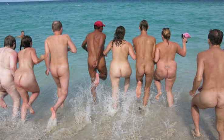 Maggio, Marina di Camerota: Festival internazionale dei nudisti