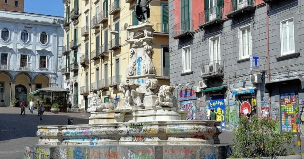 Fontana Monteoliveto di nuovo vandalizzata