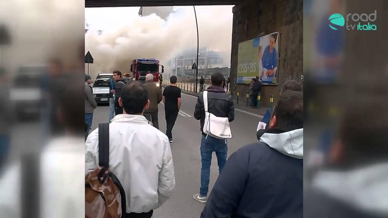 Esclusivo: auto prende fuoco ad Agnano. Guarda il video: