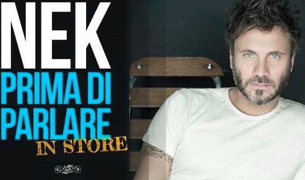 Nek presenta 'Prima di parlare' alla Feltrinelli Express di Napoli