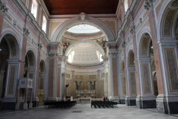 Papa a Napoli, maxischermo alla basilica di San Giovanni Maggiore