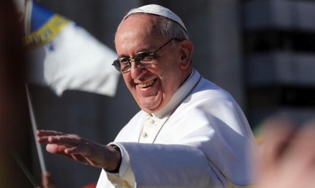 Papa a Napoli, durante la visita incontro con delegazione di Arcigay