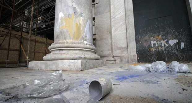 Raid criminale su Piazza del Plebiscito restaurata