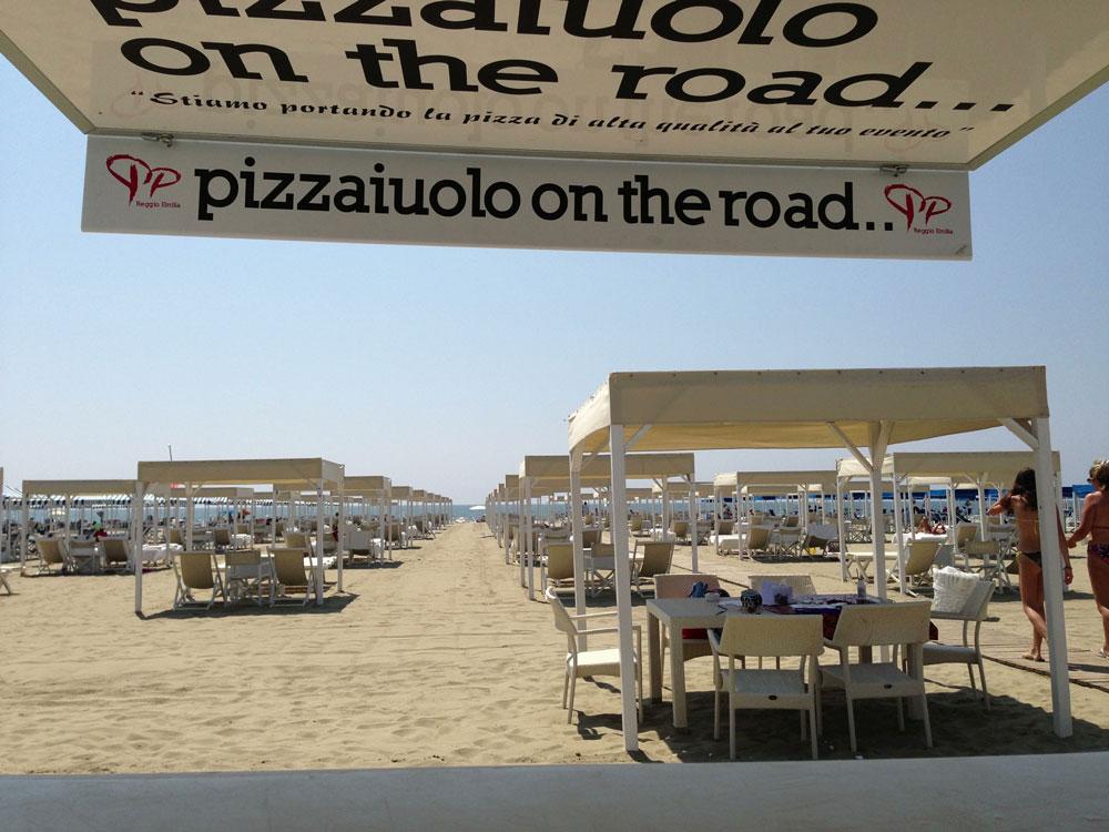 """""""Pizzaiuolo on the road"""", la pizza di Napoli arriva dall'altra parte del mondo"""