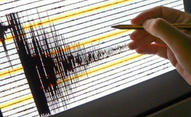 Campi Flegrei, possibile legame tra sciami sismici e risalita di gas