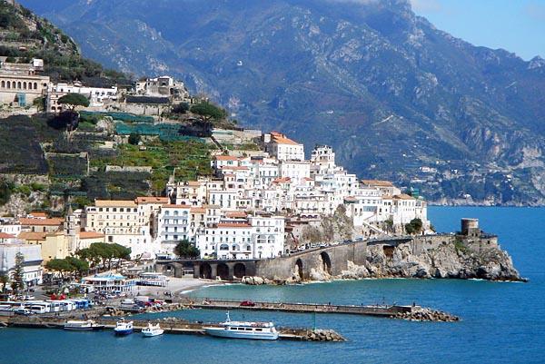 Trivago presenta la top Ten dei borghi d'italia: Campania presente
