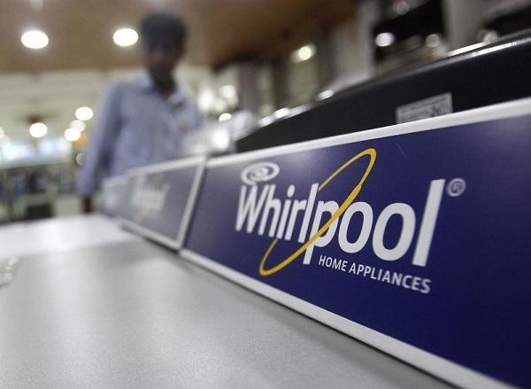 Chiude Whirlpool di Caserta, lavoratori protestano