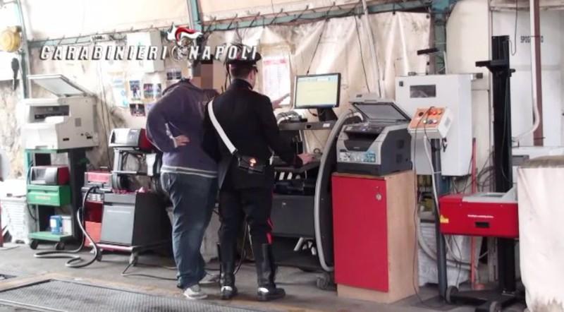 False revisioni auto a Napoli: 4000 veicoli dovranno ripetere i controlli