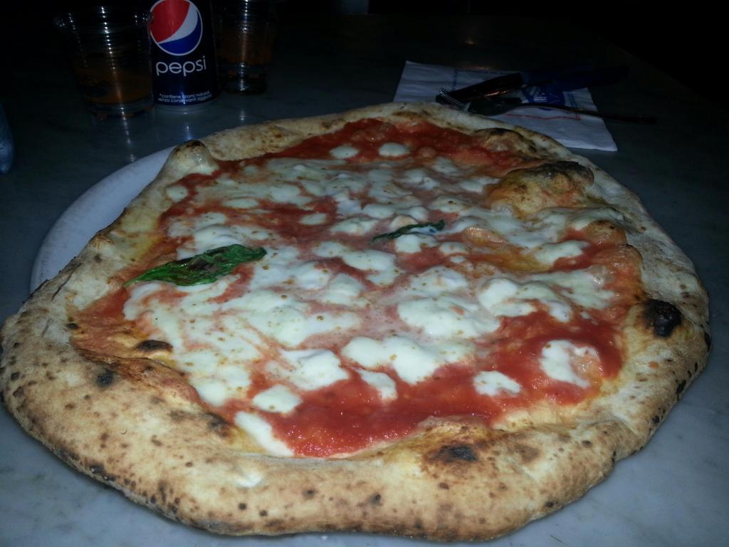 """""""Happy Pizza"""", la risposta di Sorbillo all'Happy Meal"""