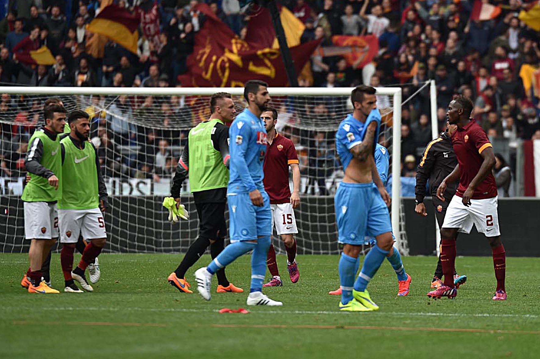 Napoli perde a Roma e la Champions si allontana