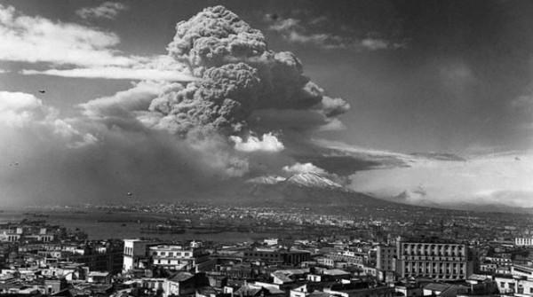 Allarme Vesuvio: adeguare gli immobili contro i carichi della cenere