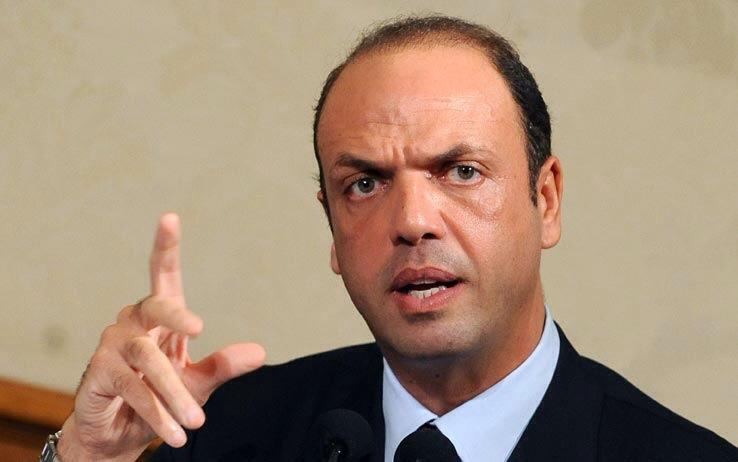 Angelino Alfano a Napoli il 27 aprile per parlare di sicurezza