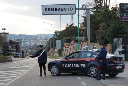 Due chili di hashish in panetti nascosti in impastatrice per cemento, sequestro a Benevento