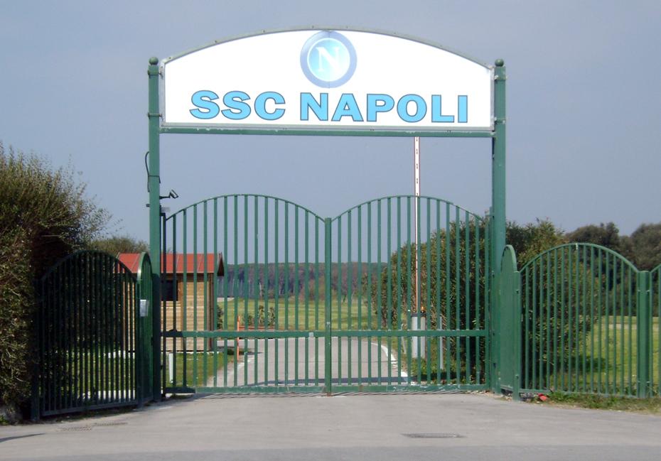 I tifosi del Napoli vogliono un canale televisivo h24, Napoli Channel
