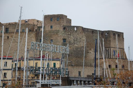 Negozi storici di Napoli: le attività commerciali che hanno fatto la storia del capoluogo campano