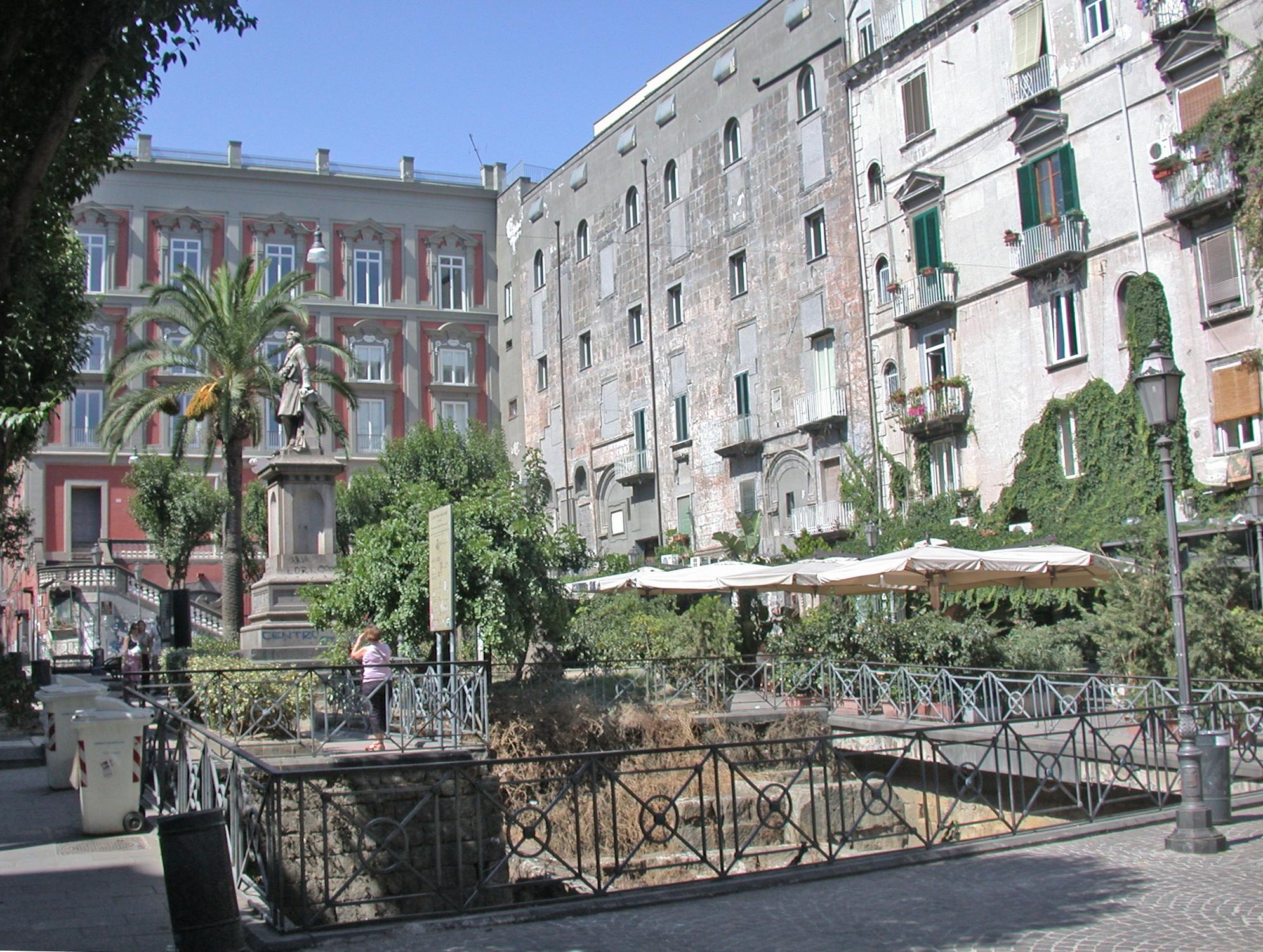 Parteneapolis, un giorno tra le leggende e i misteri di Napoli