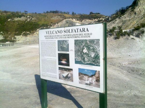 """Tragedia alla Solfatara, periti: """"area pericolosa e abusiva"""""""