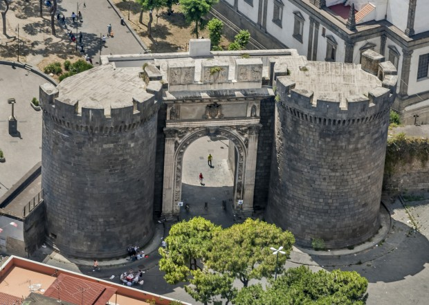10.000 passi a Napoli: per restare in forma tra le bellezze del capoluogo campano