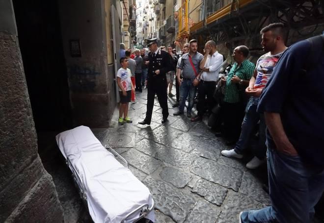 Carabiniere uccide moglie e figlia poi si suicida, succede a Piazza Dante
