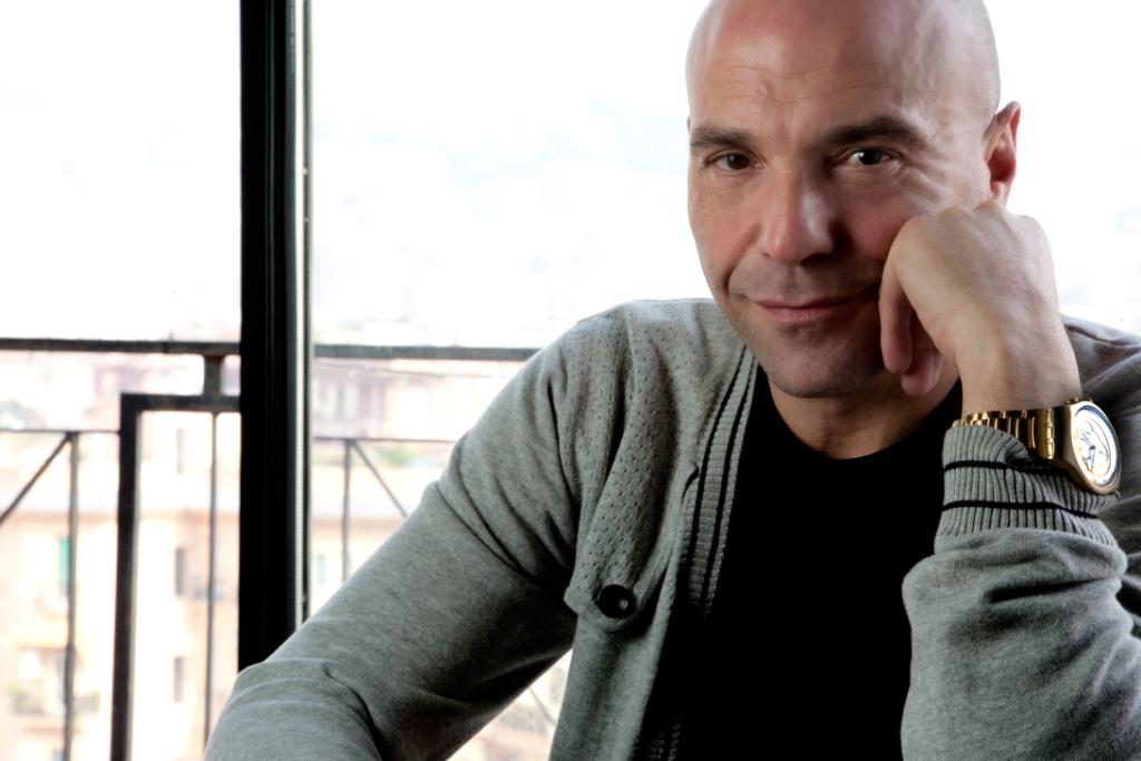 Gianni Simioli protagonista del nuovo progetto online di Alfonso Signorini
