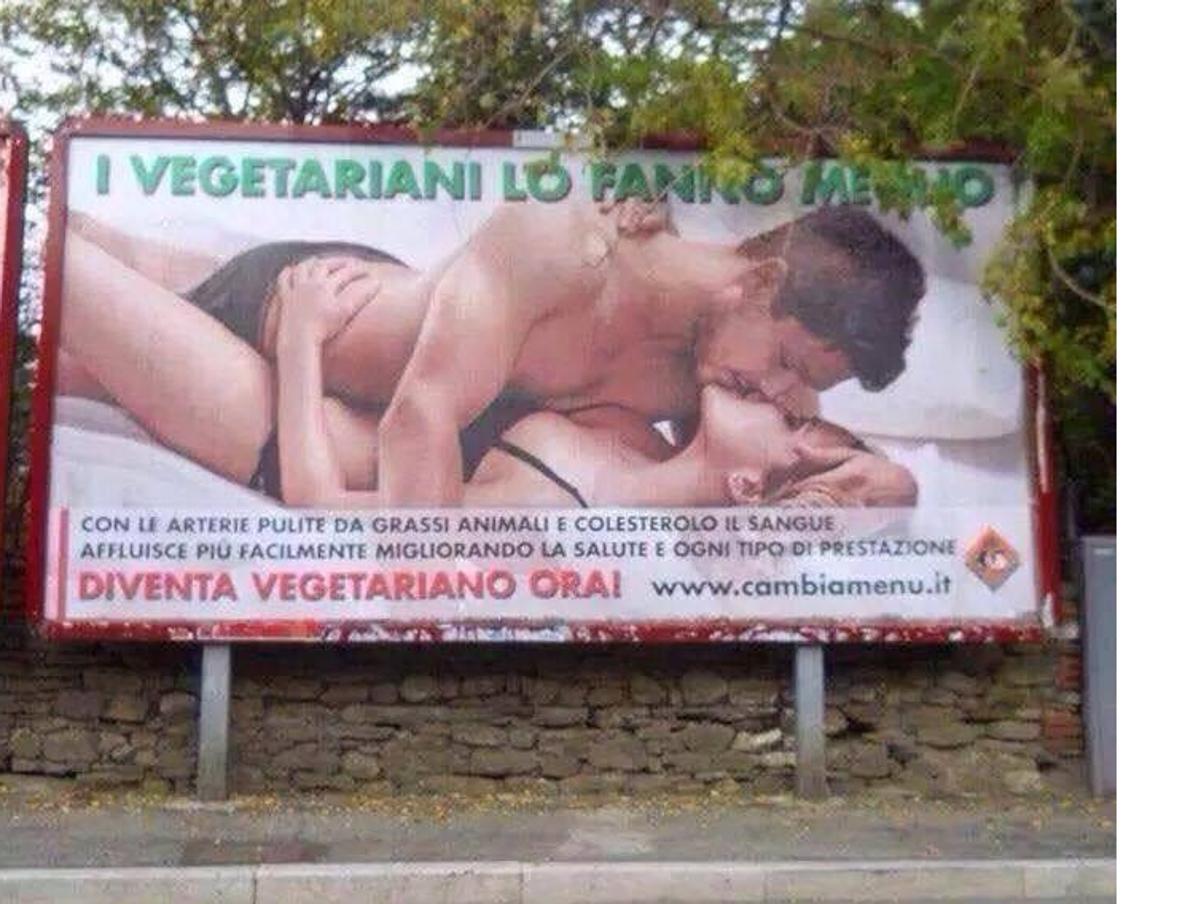 """""""I vegetariani lo fanno meglio"""": nuova campagna pubblicitaria per le strade di Fuorigrotta"""