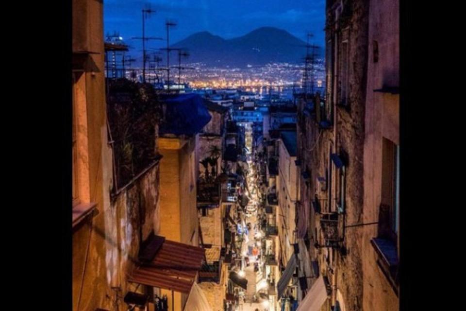 La Napoli impossibile: verità o finzione?