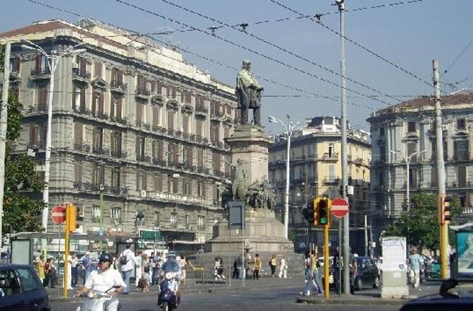 Piazza Garibaldi: nuova ordinanza comunale relativa a traffico e viabilità