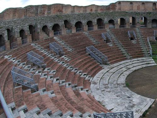 Teatro romano di Benevento: gran parte del patrimonio archeologico sannitico