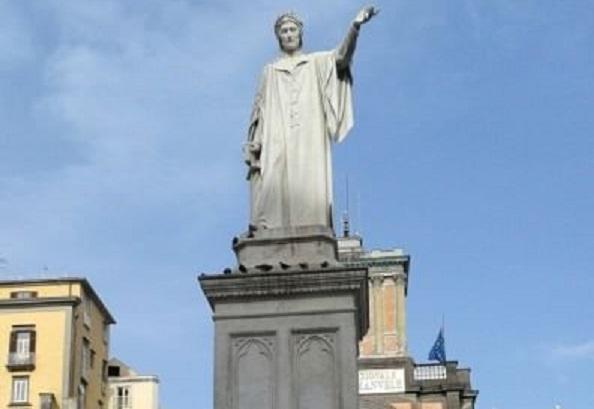 #Unite4Heritage: Un drappo nero sulla statua di Dante