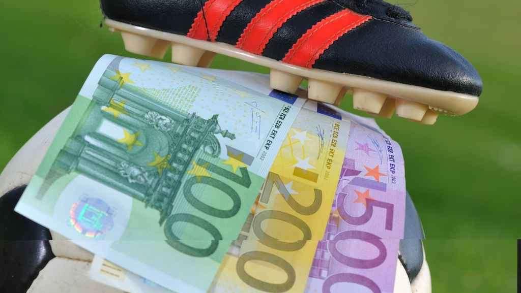 Calcioscommesse: nuova maxi inchiesta, coinvolte anche squadre campane