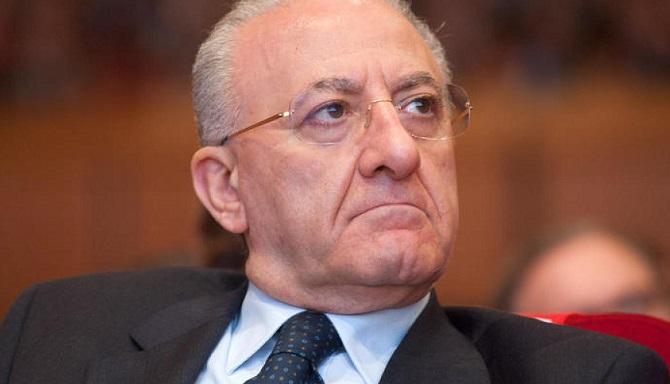 De Luca Impresentabile, il suo nome è nella lista pubblicata dalla Commissione Antimafia