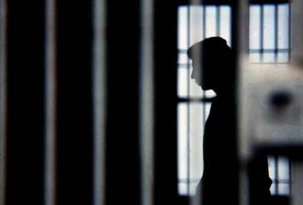 Giovanni Iazzetta, il detenuto suicidatosi nel carcere di Poggioreale, era stato rifiutato dai familiari
