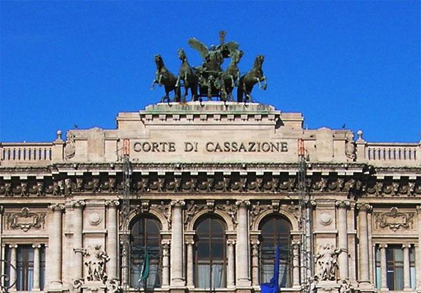 Legge Severino: decide il giudice ordinario per la Cassazione