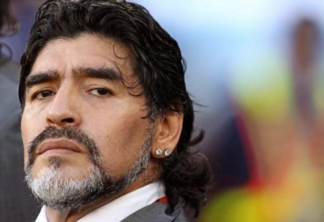 Diego Armando Maradona si candiderà alla presidenza Fifa, lo rende noto l'amico giornalista Morales.