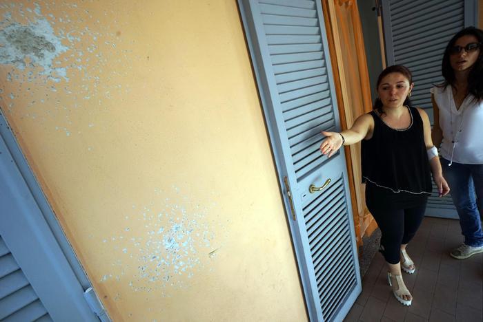 Marco Castiello, ex guardia giurata, spara ai vicini per una lite: sei feriti, anche una bimba di 6 anni