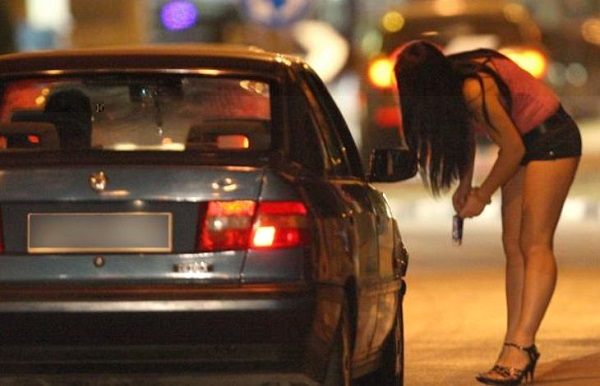 Tenta di rapinare due prostitute a Fuorigrotta, arrestato 32enne