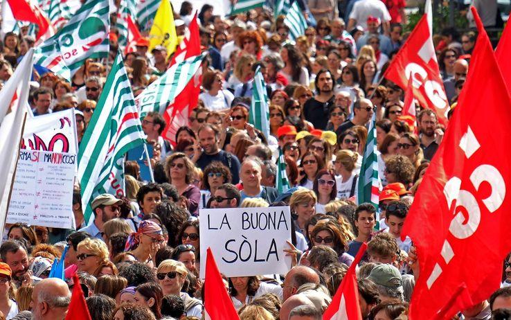Sciopero della scuola: la protesta a Napoli