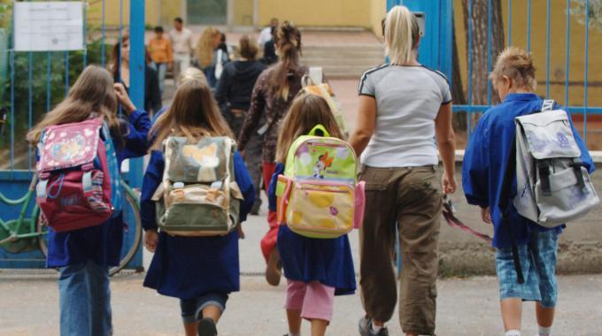 Scuola: tracce di colibatteri nel cibo delle mense