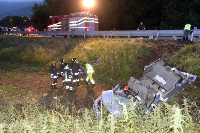 Autostrada, tragedia sulla Napoli-Bari: morti 4 operai