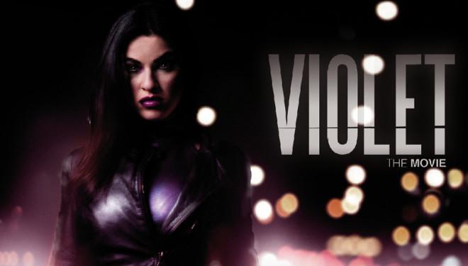 Violet, l'eroina in costume che combatte la malavita napoletana, arriva al cinema