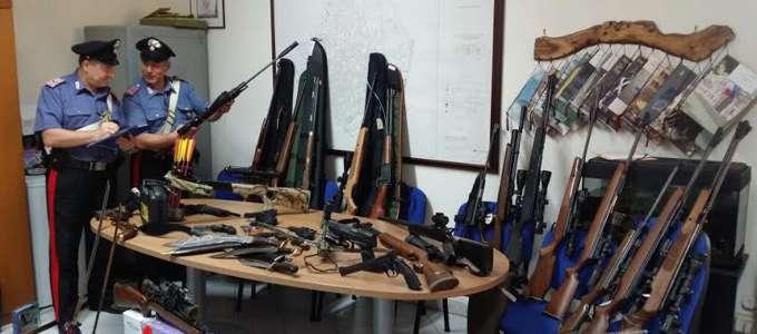 Arsenale da guerra in casa: arrestato 72enne di Arzano