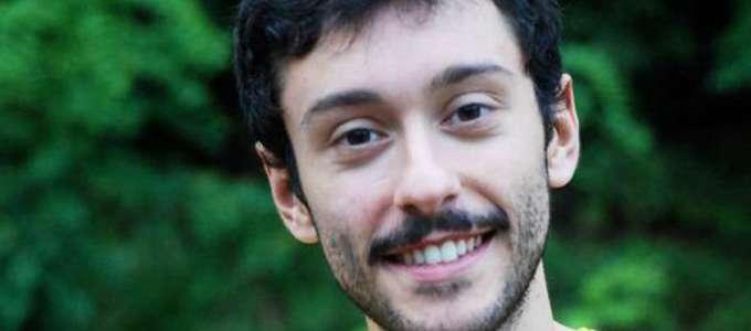 Picchiato nell'indifferenza generale: salvato da un gruppo di algerini