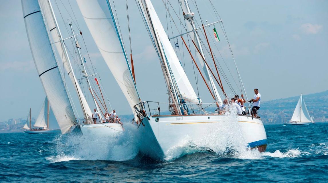 Le regate di vele d'epoca tornano nel Golfo di Napoli